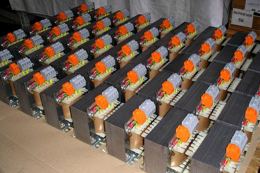 400 VA - Transformadores monofásicos
