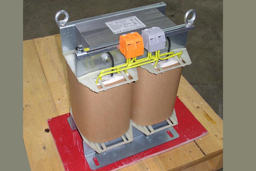 11.000 VA Single-Phase Autotransformers - Autotrasformatore monofase.
