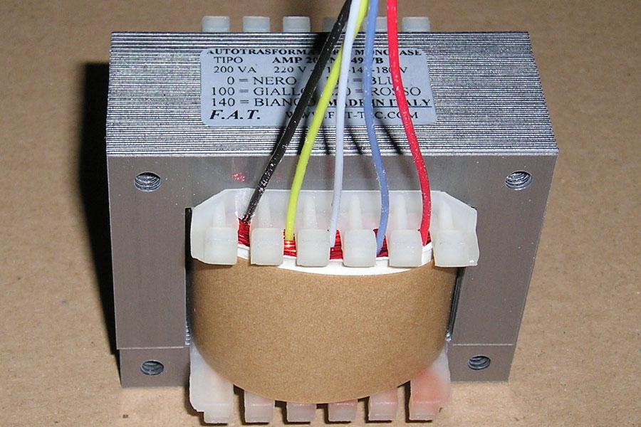 200 VA Single-Phase Autotransformers - Autotrasformatore monofase.