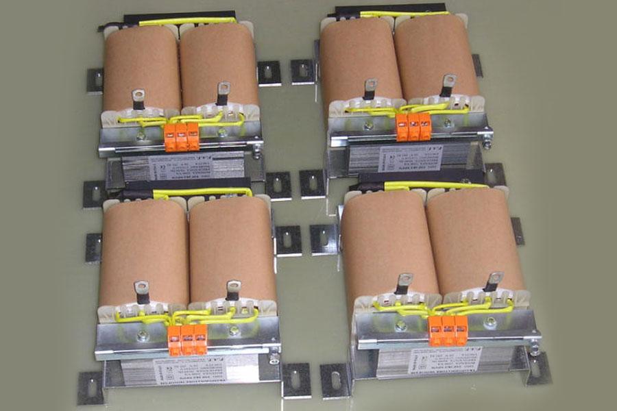 2200 VA Single-Phase Autotransformers - Autotrasformatore monofase.