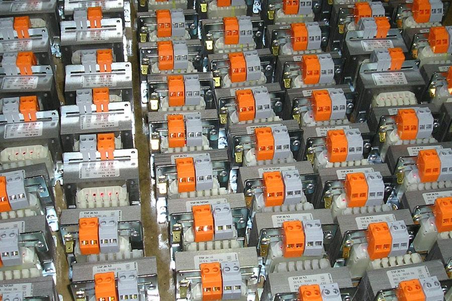 500 VA Single-Phase Autotransformers - Autotrasformatore monofase.
