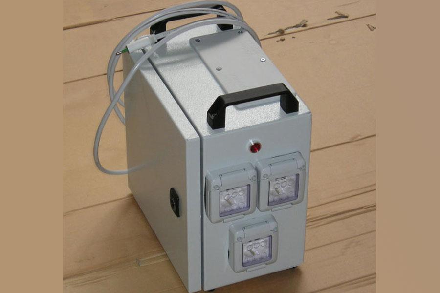 Trasformatore portatile in cassetta