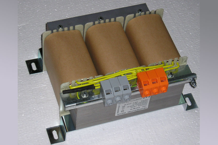 5000-VA Transformador trifásico