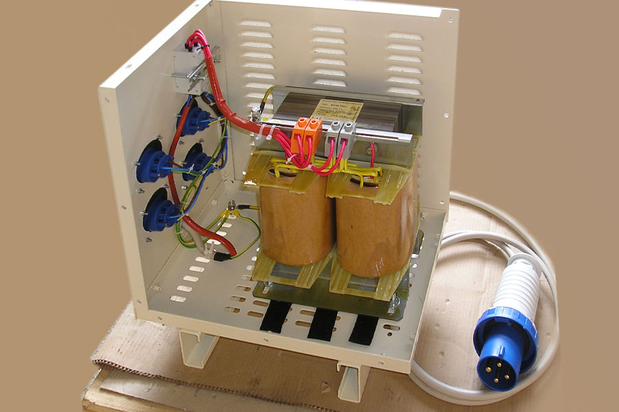 Single phase transformer for construction site