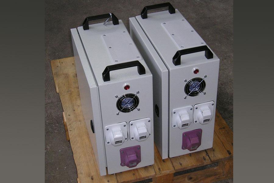 Transformator con ventilador de refrigeración